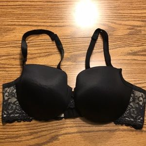 Cacique black lightly padded lace band bra 42C